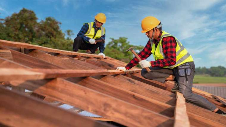 What's more energy efficient for hot humid climates shingles or a metal roof